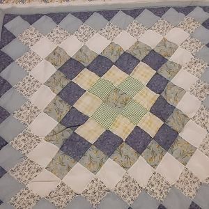 """VINTAGE HANDMADE COUNTRY QUEEN QUILT  92"""" X 84"""""""
